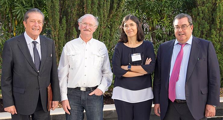 De izq. a drch., Federico Mayor Zaragoza, Moshe Oren, Maria Blasco y Raimundo Pérez-Hernández y Torra, director de la Fundación Ramón Areces.