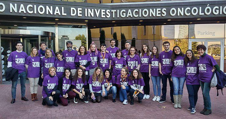 Algunos de los voluntarios del CNIO en el Lab Day./ CNIO