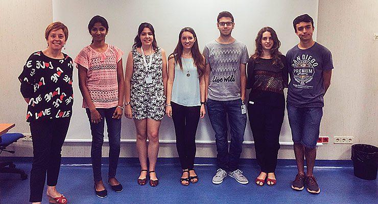 Marisol Soengas con los estudiantes del programa de verano
