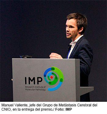 Manuel Valiente, jefe del Grupo de Metástasis Cerebral del CNIO, en la entrega del premio. Foto: IMP