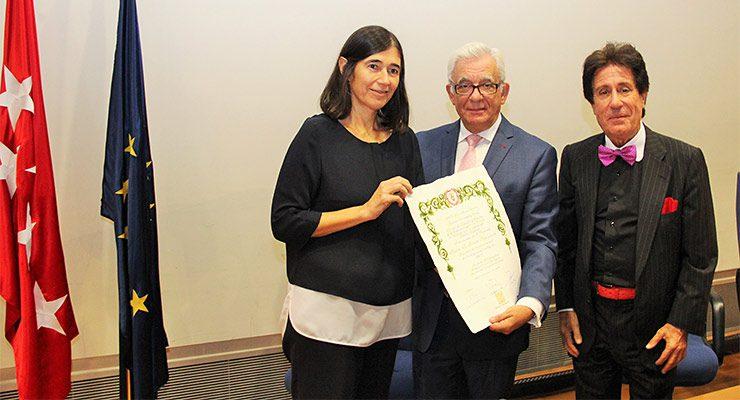 Maria Blasco, directora del CNIO, Jesús Sánchez Martos, Consejero  de Sanidad de la CAM, y Arturo Fernández-Cruz, presidente de la  Fundación Fernández-Cruz.