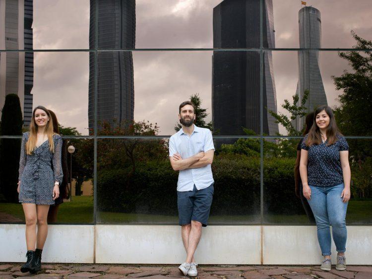 De izquierda a derecha: Ana Belén-Plata Gómez, Alejo Efeyan y Nerea Deleyto-Seldas. /CNIO