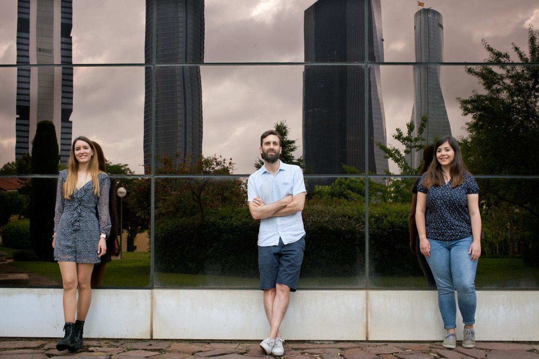 De izquierda a derecha: Ana Belén-Plata Gómez, Alejo Efeyan y Nerea Deleyto-Seldas. /A.Tabernero. CNIO